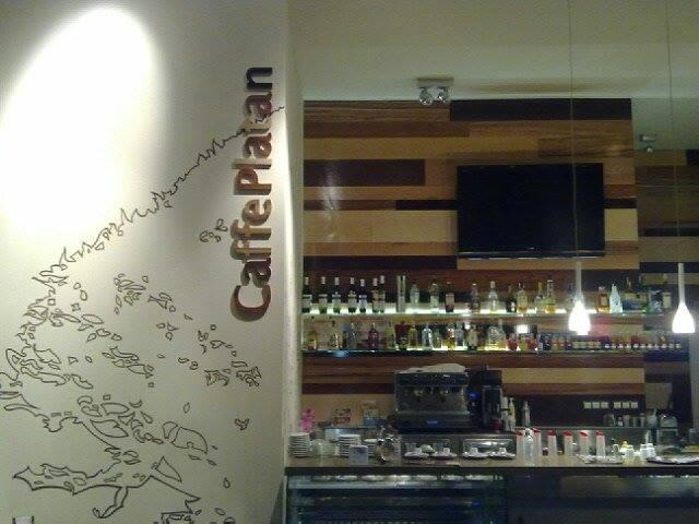 7dc1f677d Kaviareň Caffe Platan Nitra - príjemné pose - Kam v meste | moja Nitra